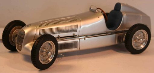 Mercedes-Benz W25 1934 - first of the Silver Arrows