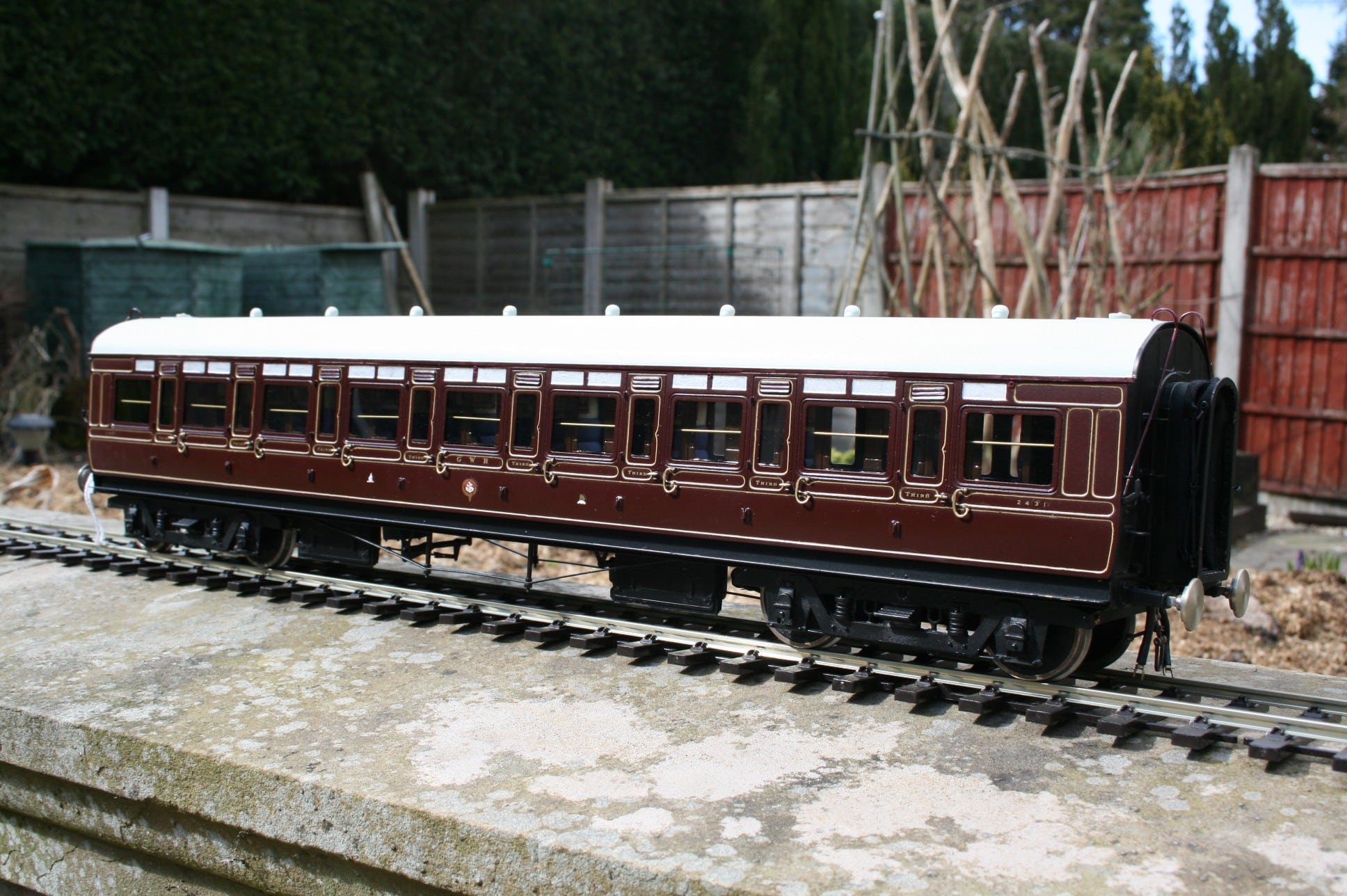 GWR Corridor All Third in Crimson Lake livery