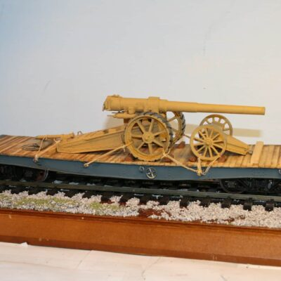 Pre-Grouping Bogie Flat Road Vehicle/Circus Wagon with Gun load