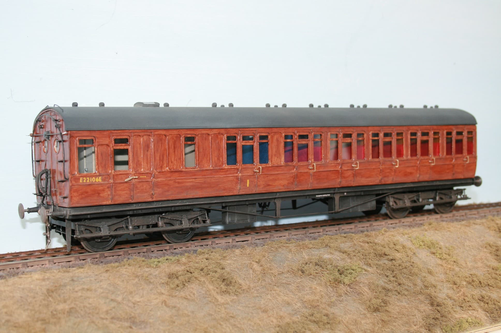 BR (Ex.NER/LNER Dia.D162 Push/Pull Carriage r/n E22106E