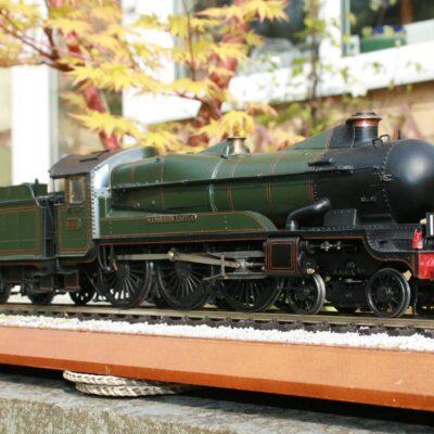 "GWR ""Castle"" Class 4-6-0 tender engine r/n 5005 ""Manorbier Castle"""