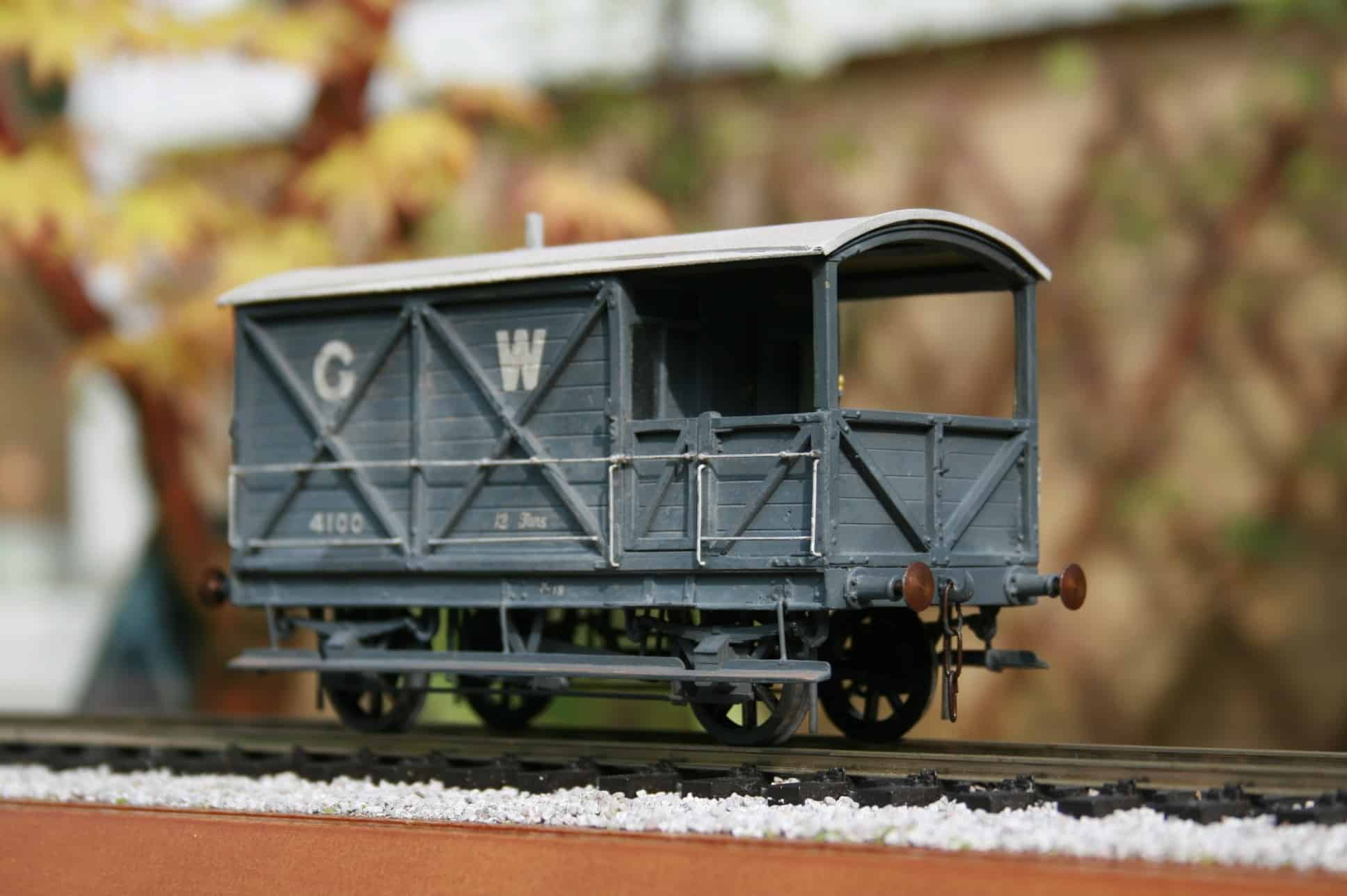 GWR 12 ton Brake Van to Lot osL253 r/n 4100