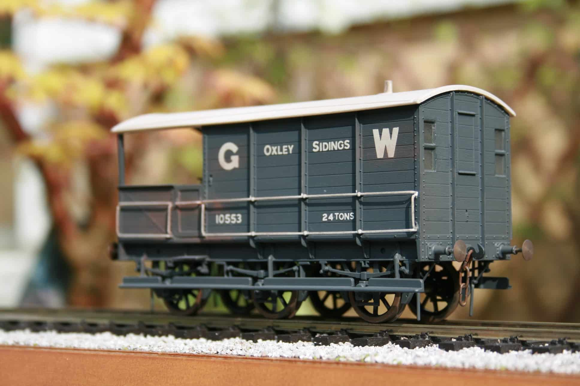 GWR Dia. AA1 24 ton 6 wheel Brake Van r/n 10553