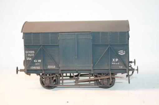 """GWR Dia.Y8 fitted Goods """"Fruit A"""" Van r/n 134152"""