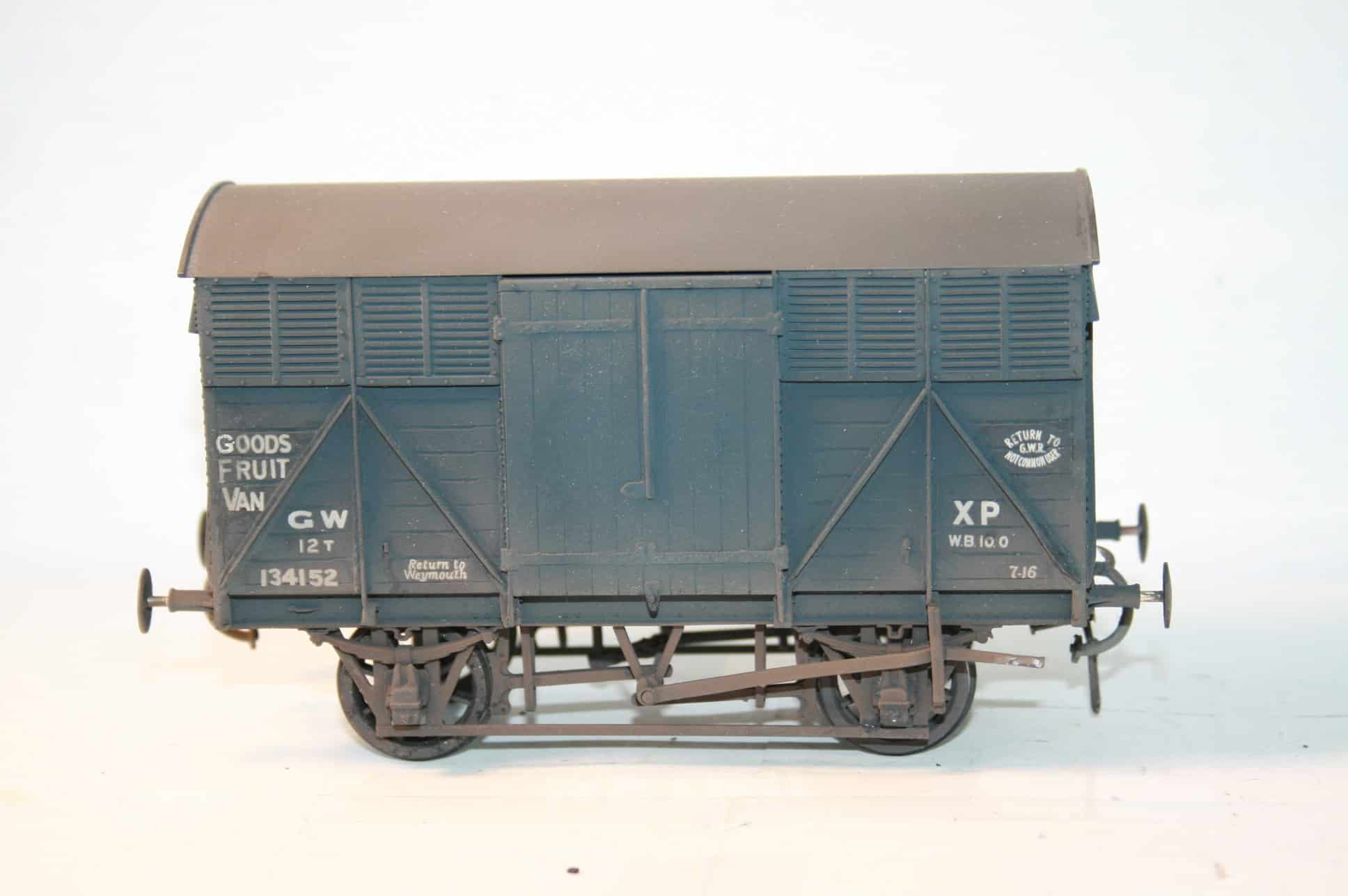 "GWR Dia.Y8 fitted Goods ""Fruit A"" Van r/n 134152"