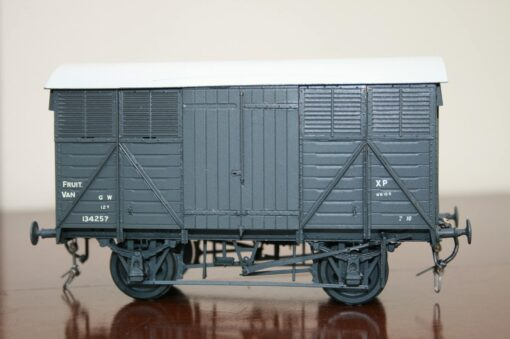 GWR Fitted 12T Fruit Van r/n 134257